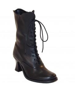 Boots & Braces - Lady...