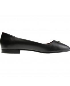 Boots & Braces - Ballerina Lucy Schwarz